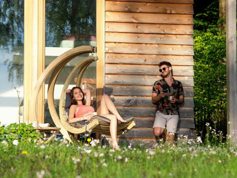Drewniany fotel hamakowy
